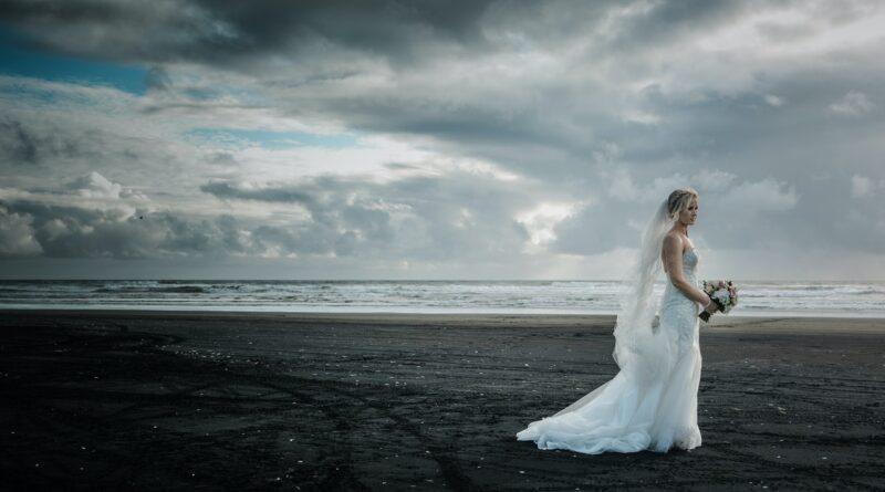 Braut am Strand